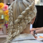 gorgeous-side-braid-hairstyles-with-rhinestones-hair-pins-best-wedding-hairstyles-muhtesem-gelin-saci-modelleri-orgu-sac-modelleri